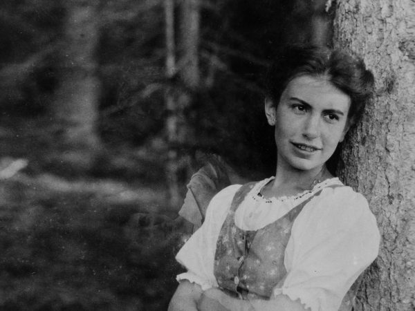 Black and white photograph of Anna Freud aged 25