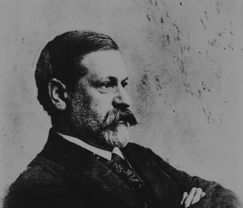 Black and white photograph of Sigmund Freud in profile