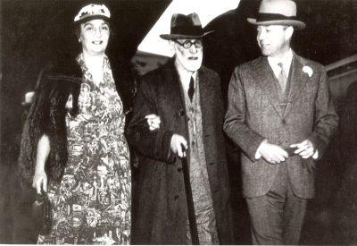 Image of Marie Bonaparte, Sigmund Freud and William Bullit