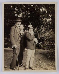 Image of Sigmund Freud, Otto Rank and Ernest Jones. Kobenzl(?), Austria, 1918