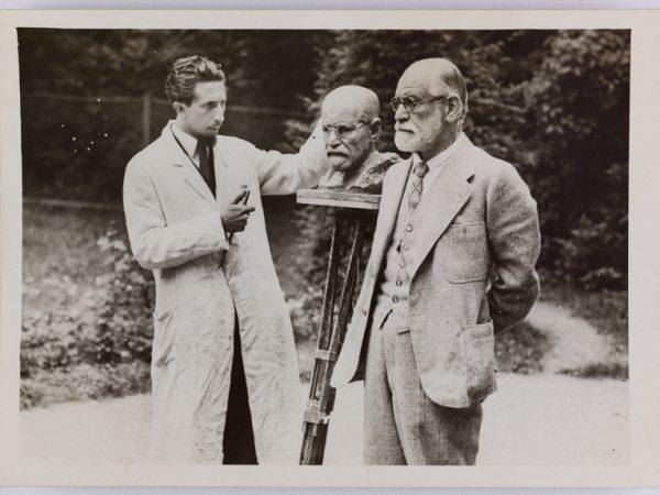Photograph of Sigmund Freud and Oscar Nemon