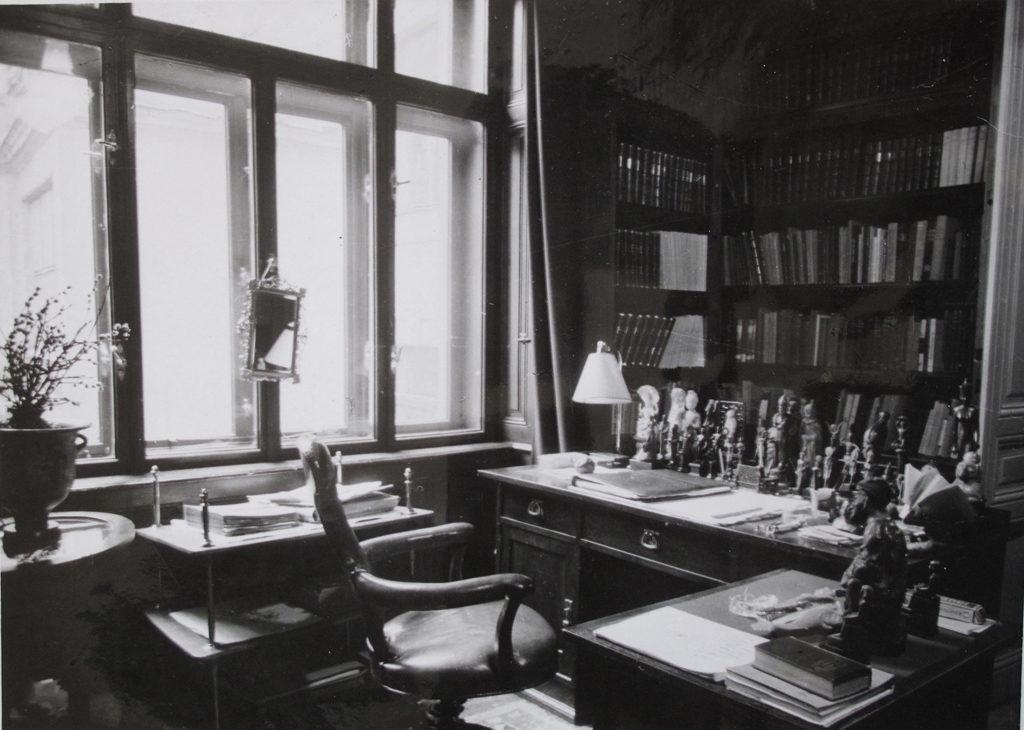 Sigmund Freud's study in Berggasse 19, Vienna, 1938 © Freud Museum London